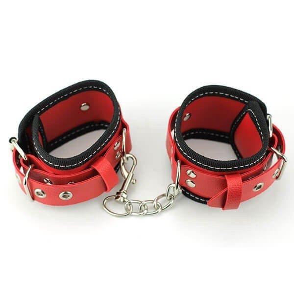 røde håndleds manchetter med kæde fra dreamdirty
