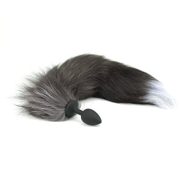 sort silikone anal plug med hale af imiteret pels fra playhard