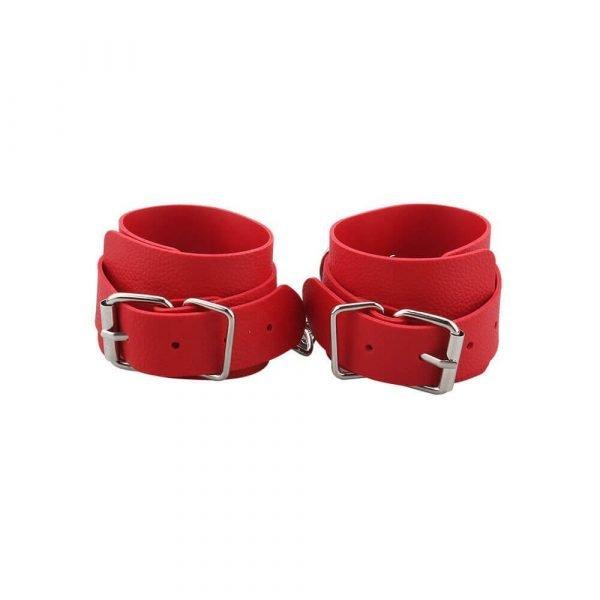 røde elegante manchetter fra simplepleasure